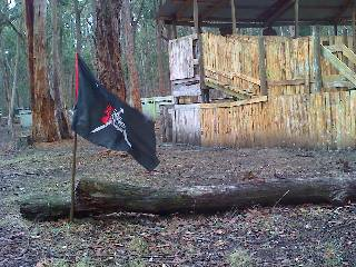 Flag dropped within 20 feet of the fort. Will an attacking player have the guts to take it the rest of the way?